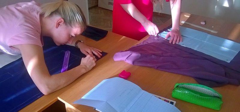 Где и что нужно для обучения на курсах по пошиву платьев
